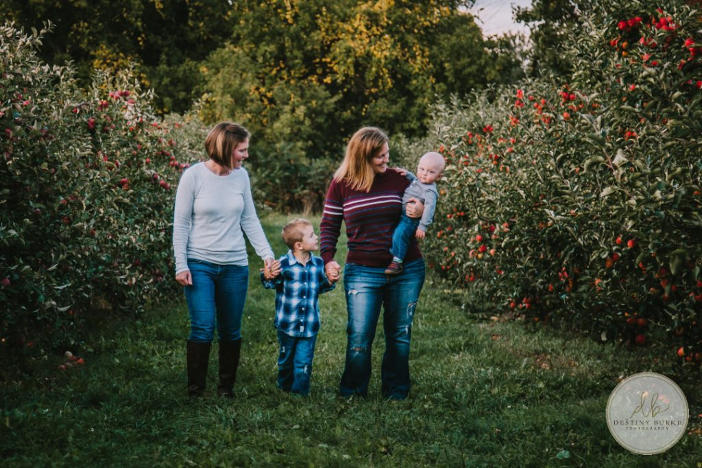 Family Photography at Robbs Apple Tree Farm Brockport, NY